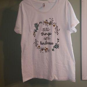 Tops - NWOT Missy XL tee shirt